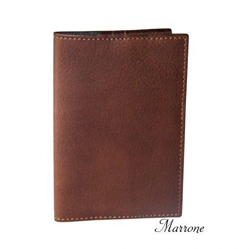 porta passaporto personalizzato in vera pelle marrone